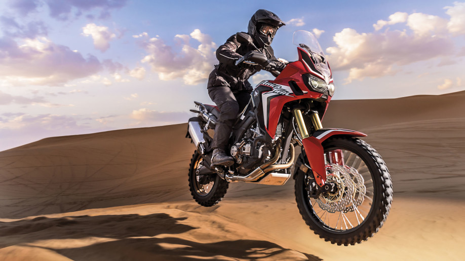 CRF1000L Africa Twin-Adventure-crfdakar-2015-109_16x9_HiRes_1