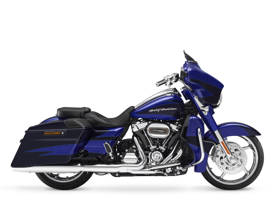 MY17 CVO Street Glide. CVO. INTERNATIONAL ONLY