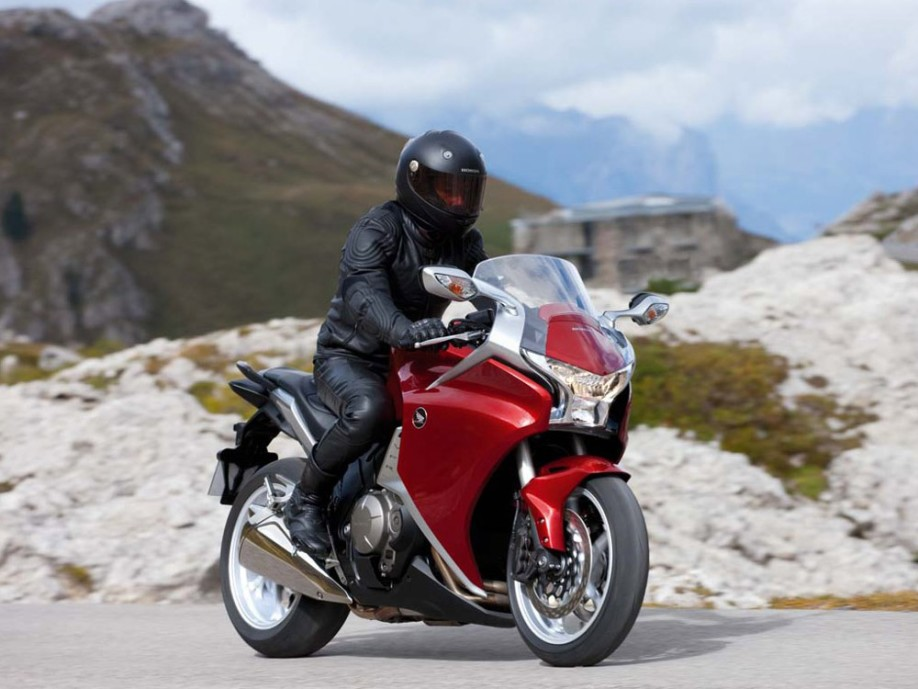 Honda-VFR1200F-picture-7