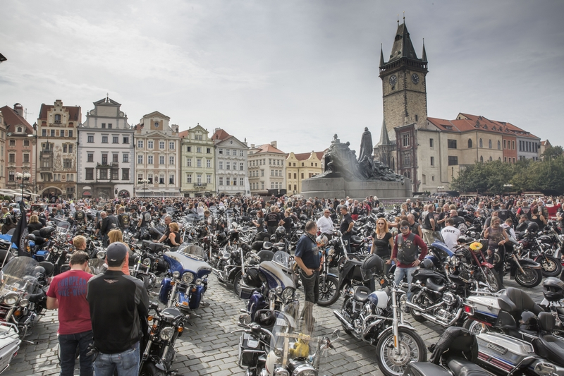 prague-harley-days_staromestske-nam_1