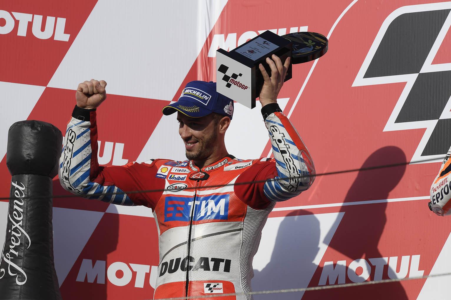 dovi-podium