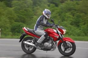 Suzuki Inazuma 250 13