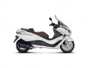 Piaggio-X10-350-Executive-ABS-ASR-918x714